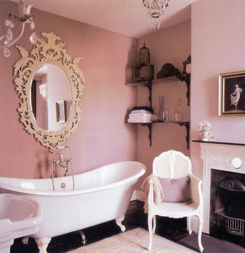 How To Create A Vintage Bathroom Design for A Modern Home