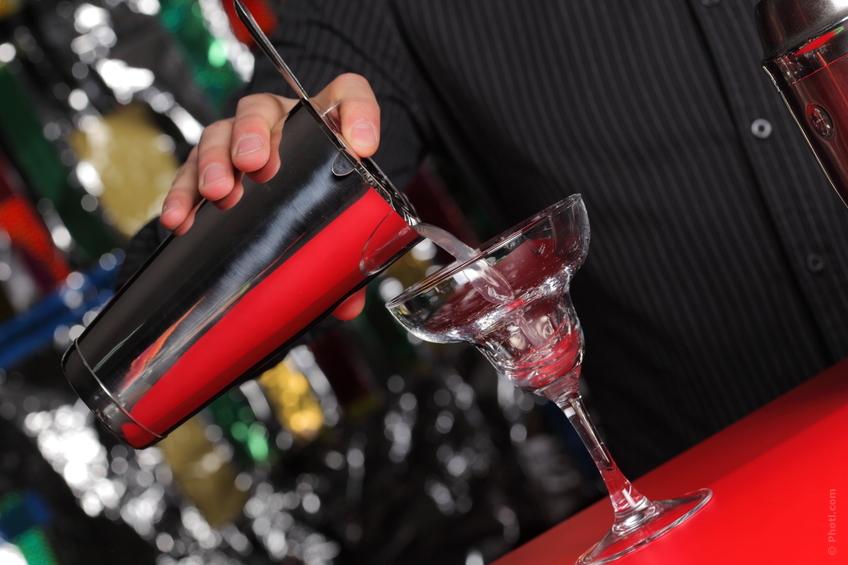 Backyard Party: 4 Organizational Tips for the Holiday Hostess