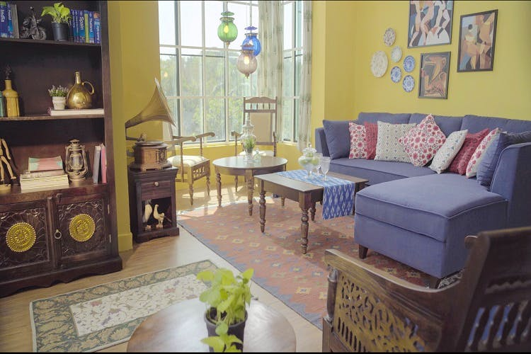 #ShopTheRoom: Blend Old School Charm And Comfort Right In Your Living Room!